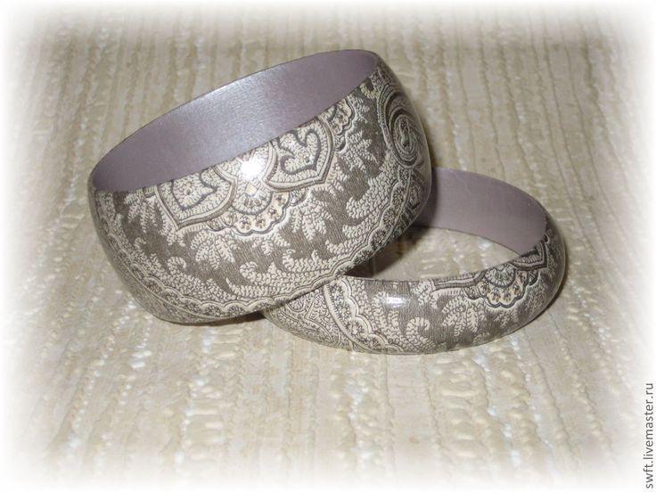 Купить Женские браслеты и кулон Жемчужный. Декупаж, коричневый, серый, дерево - комплект украшений