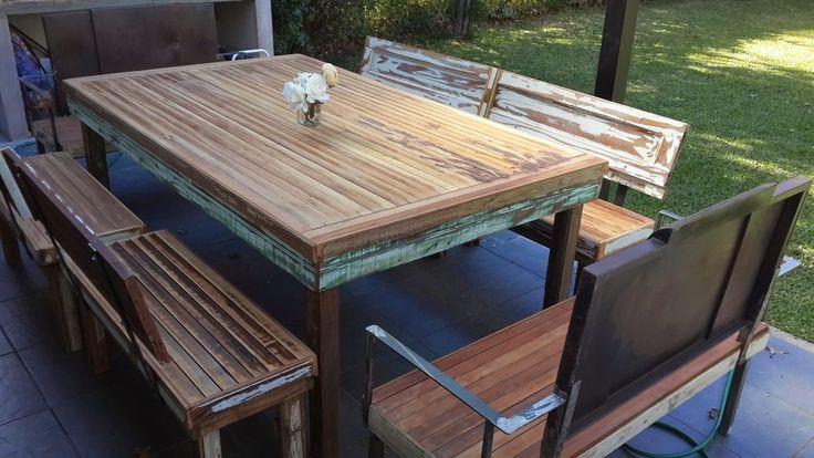 Mesa de comedor y bancos con respaldo santomercado for O kitchen mira mesa