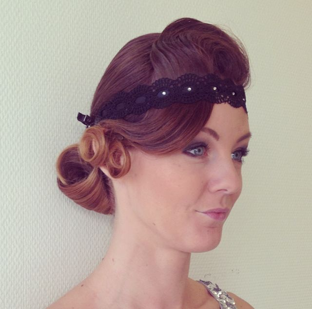 Charleston hairstyle Gatsby party hair with wave and pin curls