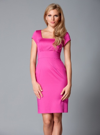 Fuschia pencil dress | Dresses for women with big breasts | DDAtelier COMING SOON http://dd-atelier.com/Fuschia-pencil-dress-for-women-with-big-breasts.html