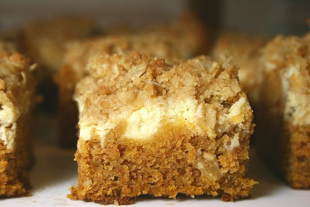 Pumpkin Cream Cheese Bars with Oatmeal Struesel Topping