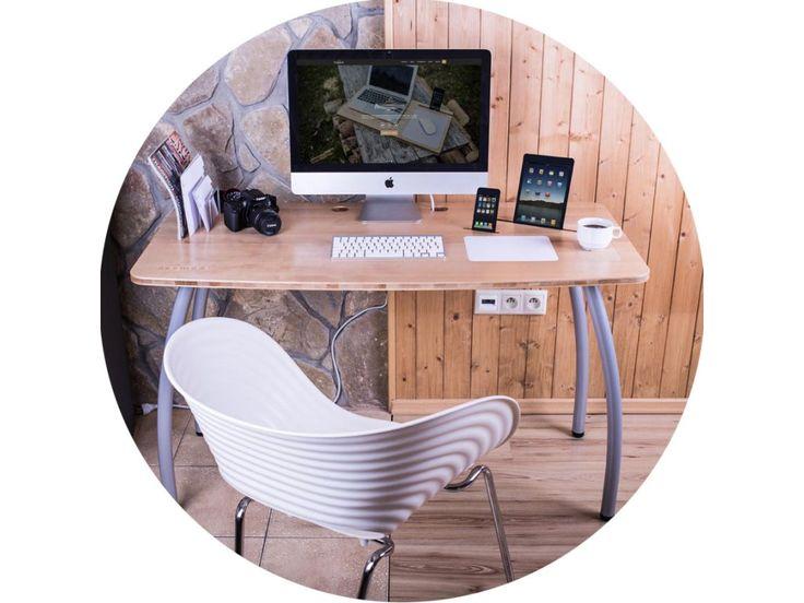 Je navrhnutý pre každého a do akého koľvek interiéru. Jeho zorganizovanie sa Vám stane osobité. Jeho nový spôsob uloženia technológií, doplnkov a jeho funkčnosť Vám zabezpečia zažiť jedinečnú pohodu pracovného prostredia.