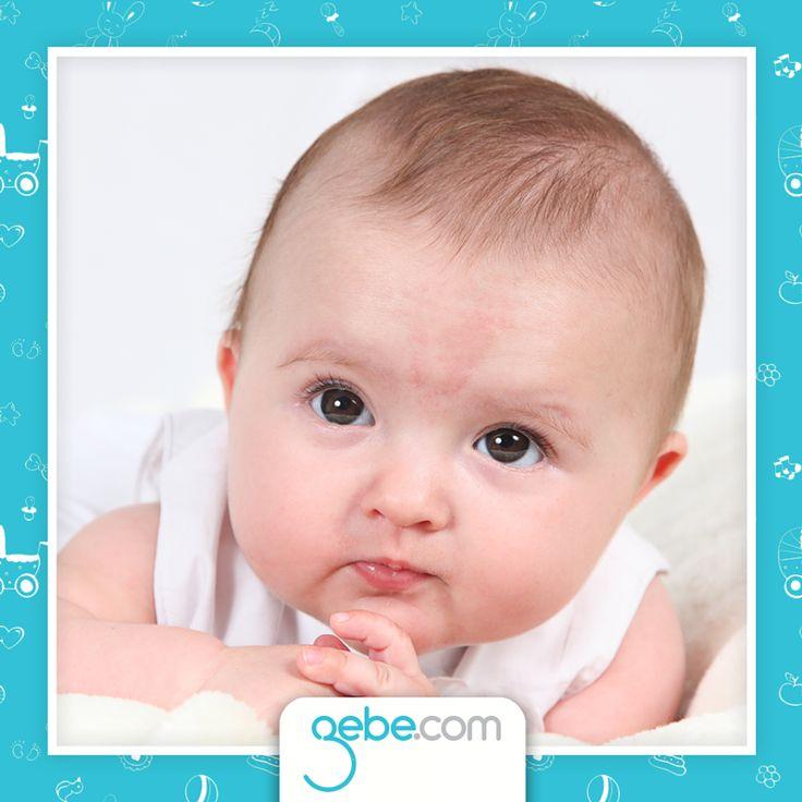 Moğol lekesi yeni doğan bebeklerde çok sık görülüyor.   Doğum lekeleri ciltte bulunan kan damarları ya da cilde rengini veren pigment hücrelerinde oluşan bozulmalar nedeniyle oluşur. Lekenin rengi ilk 1 ayda koyulaşır ve 1 yıl içinde kendiğilinden kaybolur. Bazı lekeler 6 yaşına kadar kalıcı olabilir. Nadir olarak erişkinliğe kalanlar lazer tedavisi ile giderilebilir.