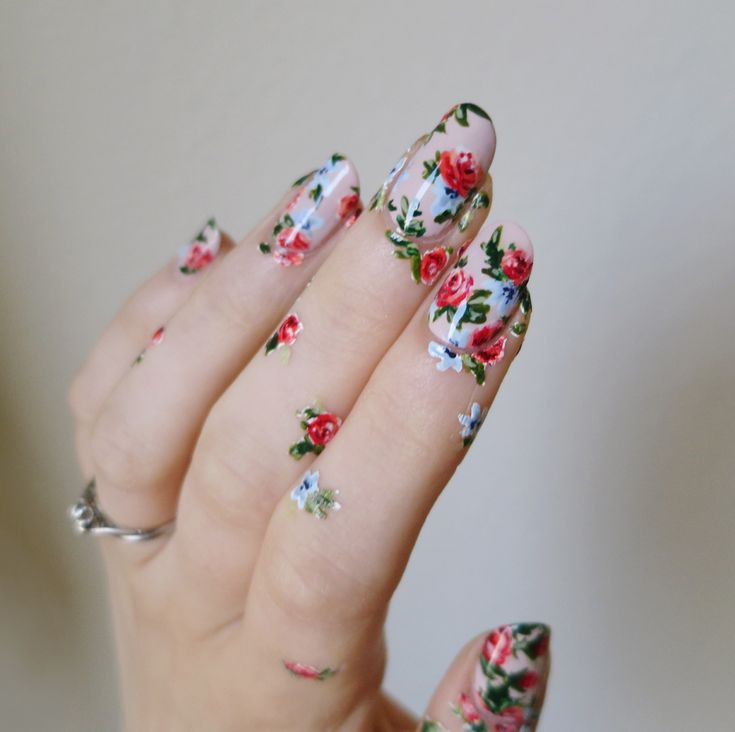 everything this nail artist does is gold basically - overgrown | ladycrappo