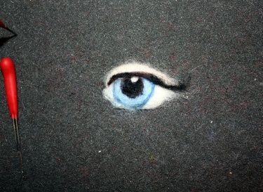 How to Needle Felt a Realistic looking Eye