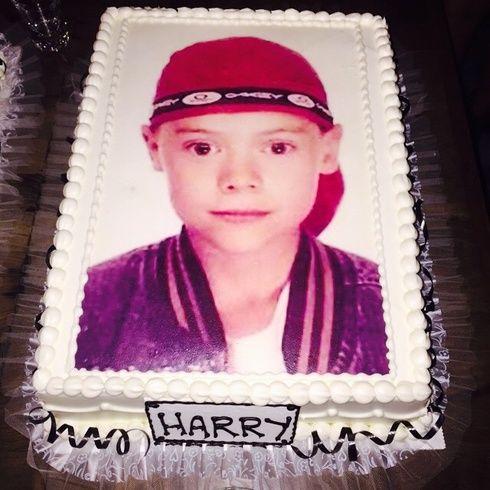【ELLEgirl】ハリー・スタイルズが21歳に! 誕生日パーティの豪華ゲストは?|エル・ガール・オンライン