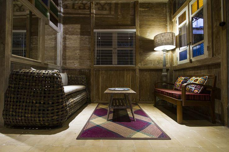 Romantic cabin living room in Roemah Peranakan Bali
