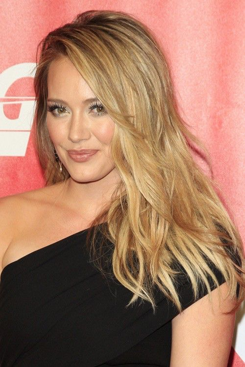 Blonde hair, highlights, natural color, ombré, blended outgrowth, Hillary duff