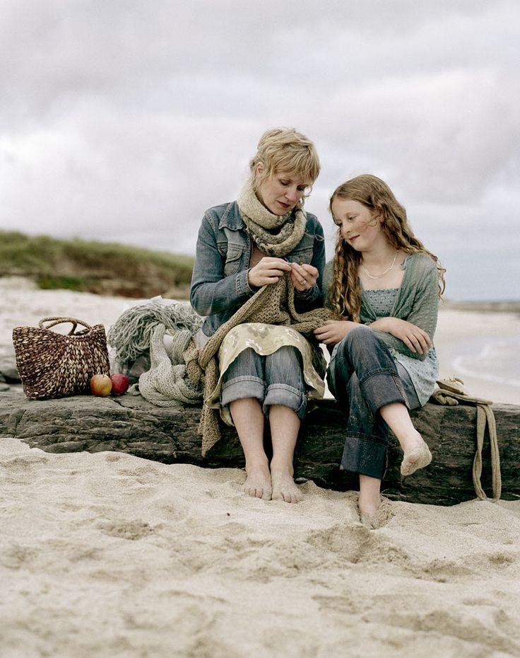 Un jour j'apprendrai à ma fille le tricot ... elle a vraiment hâ te de tricoter comme maman