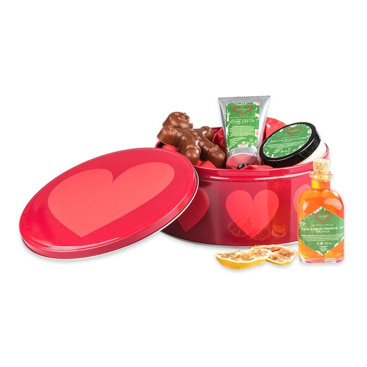 Limitowana seria puszek świątecznych od The Secret Soap Store!<3 Znajdziesz je tutaj: http://secret-soap.com/fabryka-sw-mikolaja-242