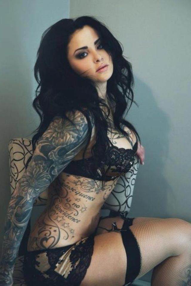 Tatoo sexy girl, Big titty threesome