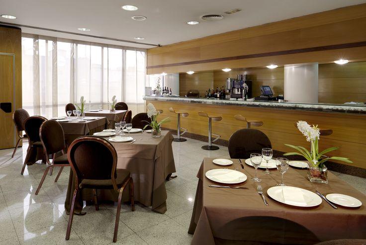 Bar hall - Holiday Inn Madrid-Pirámides