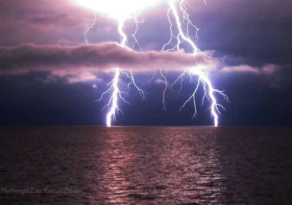 An Awesome Collection Of 24 Lightning Pictures