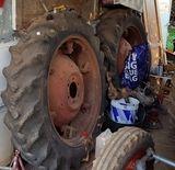 MIL ANUNCIOS.COM - Ebro. Venta de tractores agrícolas usados y de ocasión ebro. Tractores de segunda mano de todas las marcas: John Deere, Case, Fendt,...