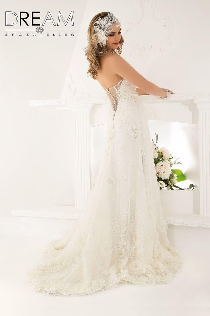 """DREAM SPOSA ATELIER  Abito da sposa in pizzo """"Mod. MALIZIA """" Bridal dress in lace  """"Mod. MALIZIA"""" #dreamsposa #dreamsposaatelier #abitidasposaroma #abitidasposa #bridaldresses #wedding #bridaldesign #hautecouture #fashion #moda #altamoda #abitidasposaesclusivi #modasposa #nonsolomoda #catwalk #paris #london #milano #newyork #vestitidasposa #vestitidasposaroma"""