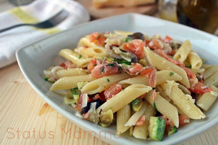 Un idea fresca e leggera con la pasta fredda con verdure grigliate . Tutti i passaggi per conquistare tutti a tavola con semplicità.
