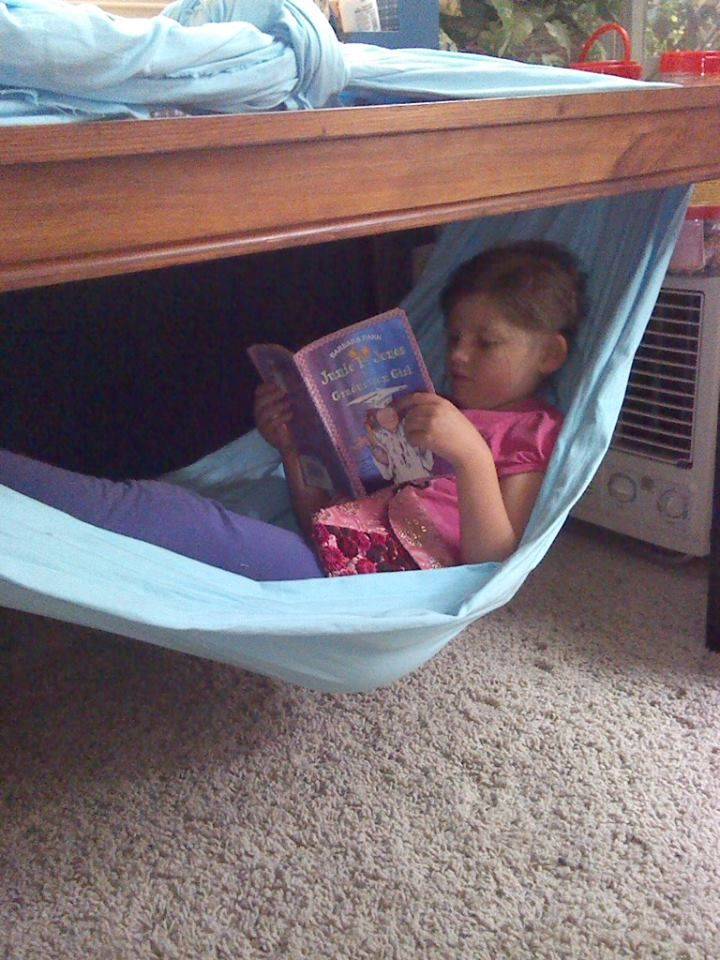 A sensory cool down spot is adedicated spacein your home (or classroom) that iscalming when your child is over-stimulated or upset. Set one up in your own home.