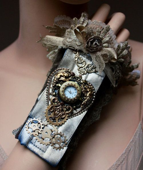Ring In The Steampunk Decor To Pimp Up Your Home: Voctorian-gothic-steampunk-jewelry-rabbit38-20130422-1