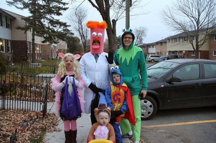 Muppets halloween costumes. Beeker, Kermit, Miss Piggy, Fozzie, and Gonzo!