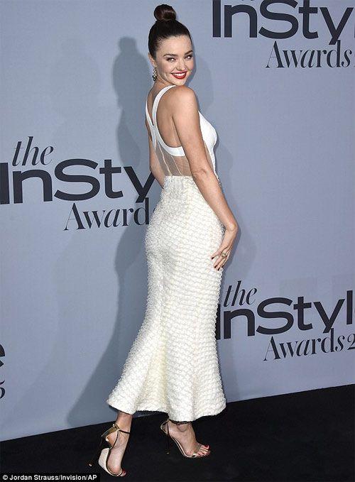 Miranda Kerr và Alessandra Ambrosio đọ sắc quyến rũ