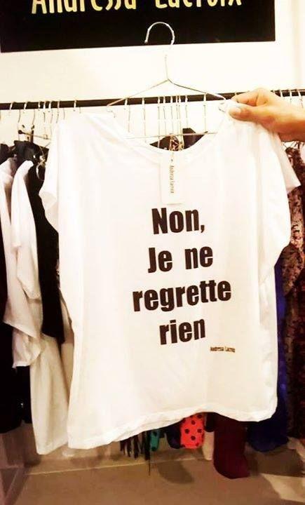 Tee-shirts estampado texto en francés. Canción Édith Piaf.