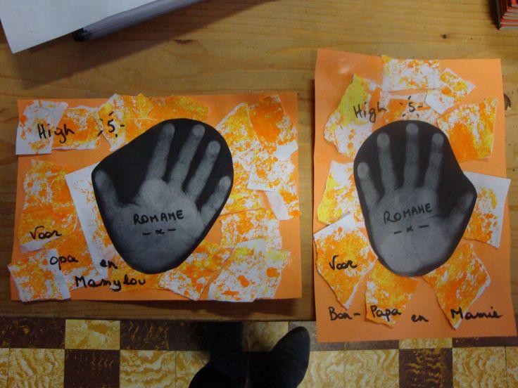 Grootouderkaart: Handafdruk met kopieermachine (leuke act op zich) notenschilderen in een deksel (herfstact van de week ervoor) laten scheuren en plakken.