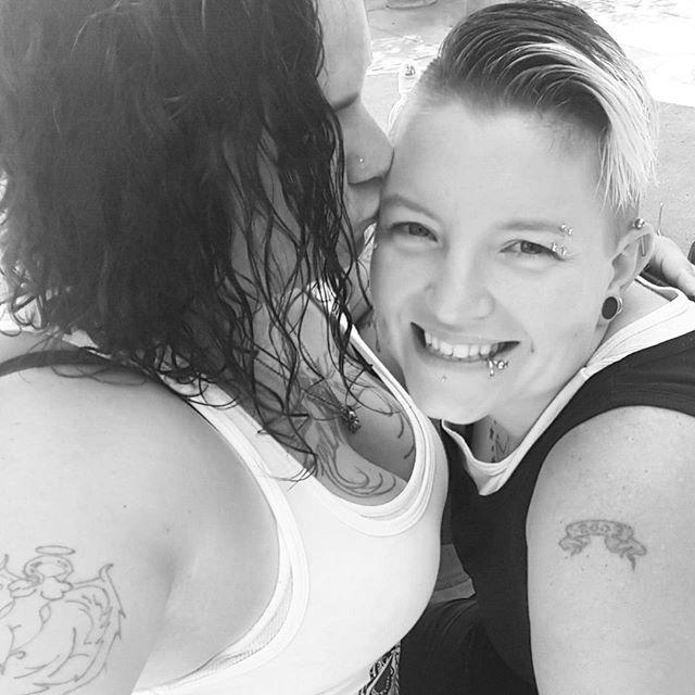 Fesses de lesbiennes-7909