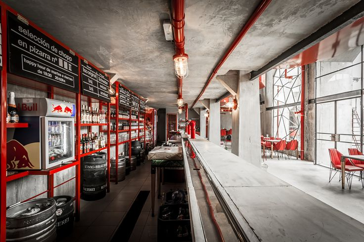 Image 8 of 21 from gallery of Capitán Central Brewery / Guillermo Cacciavillani.Bar Makers. Photograph by Gonzalo Viramonte