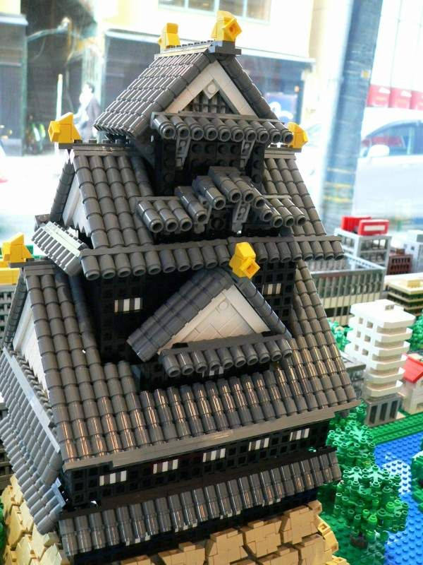Castillos japoneses hechos de LEGO