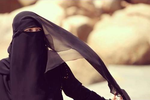 the Beauty of Hijab (+Niqab)