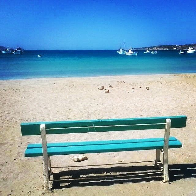 Relax with this amazing view on the beach ☀️. Exciting colors of the sea , at Koufonisia island (Κουφονήσια) .