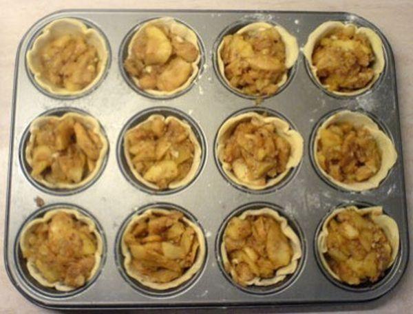 Πεντανόστιμα νηστίσιμα μηλοπιτάκια