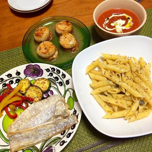 食べ過ぎたよね… - 22件のもぐもぐ - トマトのクレーマ、帆立と長芋のグリル、太刀魚のムニエル&ズッキーニとパプリカのソテー、アンチョビとケッパーのペンネ by schenklu