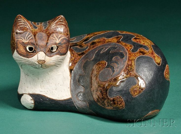 Rosemary Wren - Glazed pottery cat figure - Oxshott Pottery, Great Britain