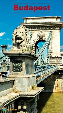 The iconic Chain Bridge was the first bridge to link Buda and Pest.