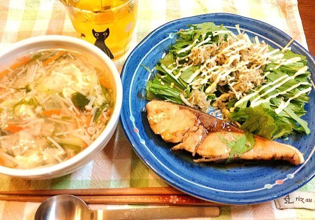 今夜は、魚にしました。 - 5件のもぐもぐ - ブリの照り焼き、水菜とじゃこサラダ、たまご雑炊 by adgjmptw16