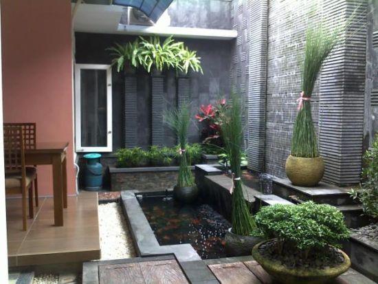 Taman dan kolam belakang rumah minimalis - Kumpulan Model Rumah Terbaru