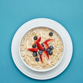 Fare sempre colazione e mangiare 5 volte al giornoLa dieta del supermetabolismo funziona solo se vengono rispettate le fasi della settimana e vengono introdotti esclusivamente i cibi permessi.Vi sono,