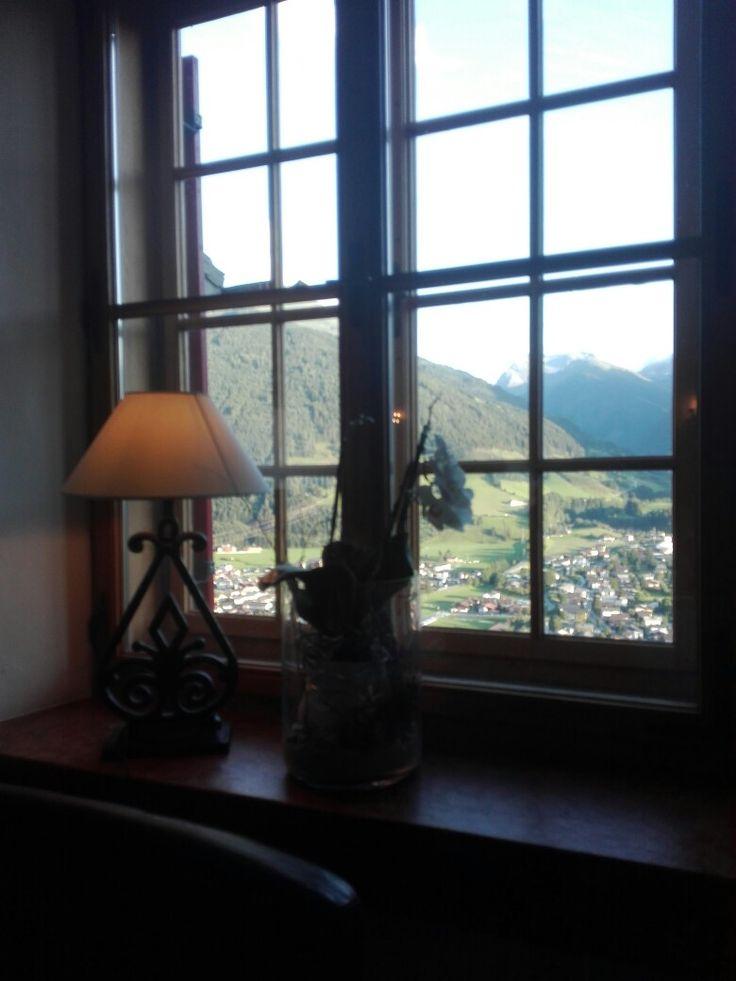 Abendessen im Schloss Mittersill mit Blick auf die Hohen Tauern.