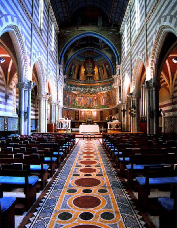 イタリア『セントポールズ教会』。荘厳なウェディング♡参考にしたいブライダル・結婚式のアイデア☆