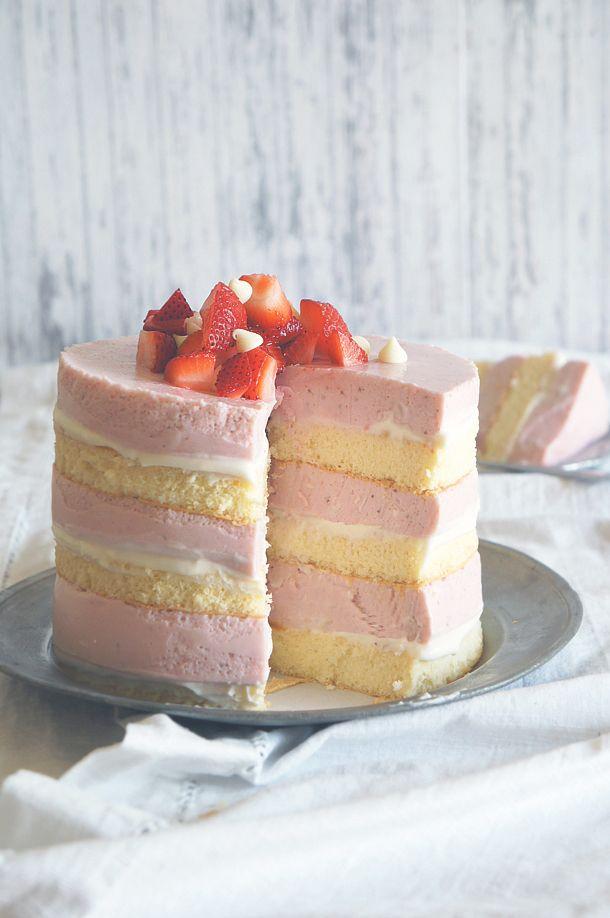 no bake, cheese cake, cheesecake, cake, bake, baking, strawberries, white chocolate, sponge cake, Martha Stewart, layer, layer cake, layered, roasted, light, nonfat