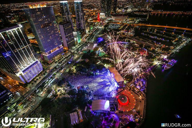 Martin Garrix @ Ultra Music Festival (2015)