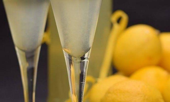 Domácí citronový likér