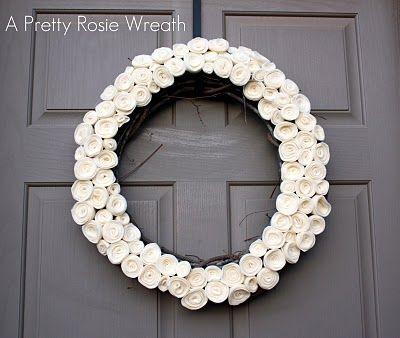 Felt rose wreath- would be cute in red for Valentine's: Diy Tutorials, Felt Roses, Rosie Wreaths, Rose Wreaths, Pretty Poppies, Wreath Tutorial, Felt Flowers, Crafts, Rosette Wreaths