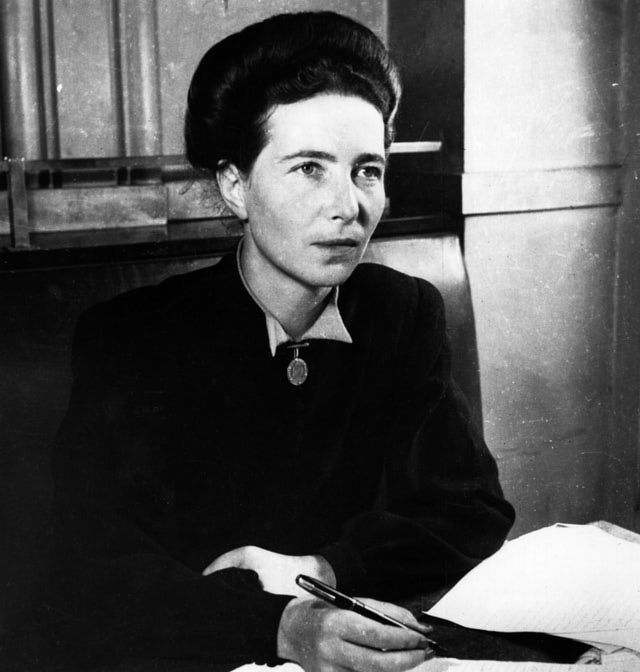 De Beauvoir was the eldest daughter in a strictly Catholic, bourgeois family. However, as a young adult she decided to become an atheist and from then on dedicated her life to the study of existence.