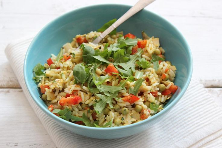 Met een rijstsalade kun je een heleboel kanten op. Je kunt een rijstsalade als lunch of als hoofdgerecht serveren. Ook is een rijstsalade lekker bij de barbecue. Daarnaast kun je aan de rijstsalade de