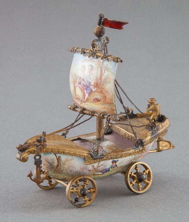 miniature sail: