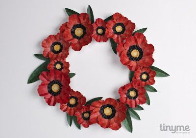 Paper poppy wreath for ANZAC Day - free printable from Tinyme