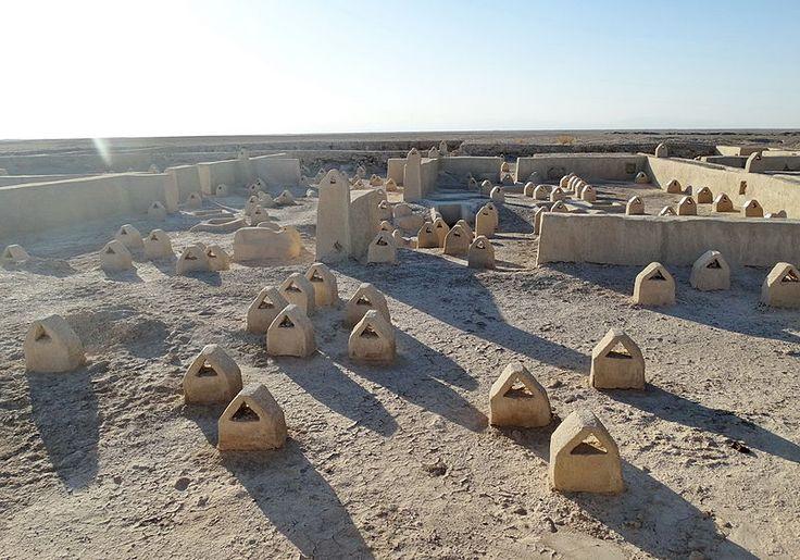 """Un mistero chiamata """"Shahr_e_Sukhte"""" (città bruciata. رازی به نام شهر سوخته٬ استان سیستان و بلوچستان - ایران 5000 anni fa sorgeva una città, culla della civiltà nella regione Sistan e Baluchestan dell'Iran; un mistero ancora non risolto."""