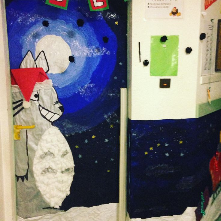 Totoro sur ma porte. Joyeux Noël ! #maternelle #preschool #Totoro C'est moi qui l'ai fait ! :)